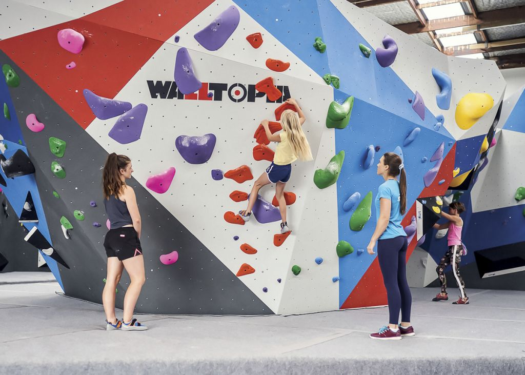 Northern Rocks, Climbing gym in New Zealand climbing wall by Walltopia